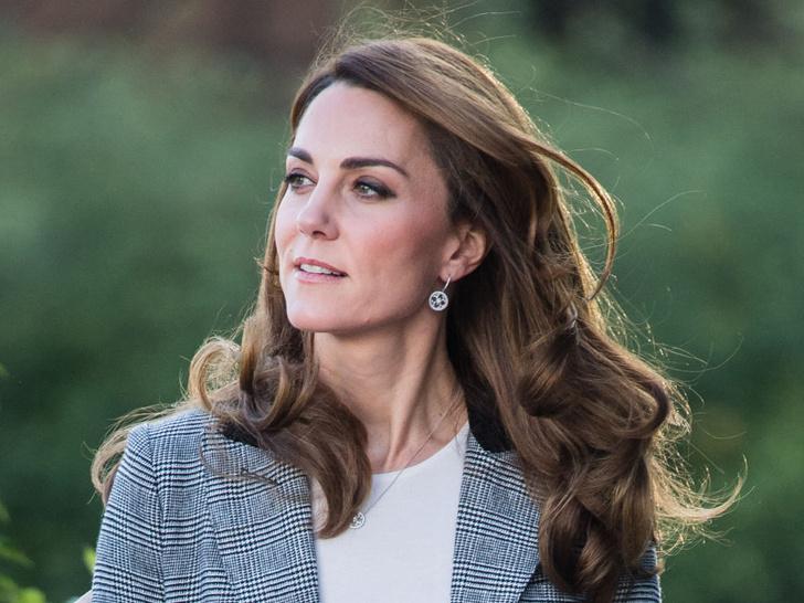 Фото №1 - Что можно и нельзя будущей королеве: 5 самых странных правил, которым обязана следовать Кейт Миддлтон