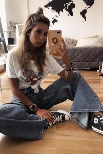 Фото №1 - С чем носить джинсы клеш: 12 модных идей на весну 2021