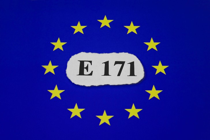 Фото №1 - Пищевая добавка E171 признана опасной для здоровья