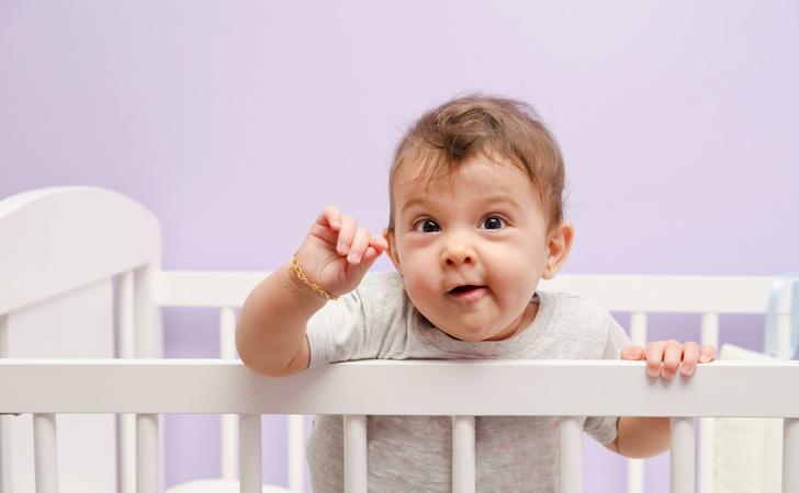 Фото №1 - 5 типичных опасных ситуаций, в которые попадает каждый малыш