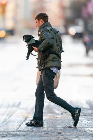 Фото №2 - Самый необычный пуховик, который мы видели в этом году,— у Анвара Хадида