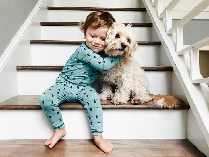 Фото №1 - Как научить ребенка ходить по ступенькам и обойтись без травм
