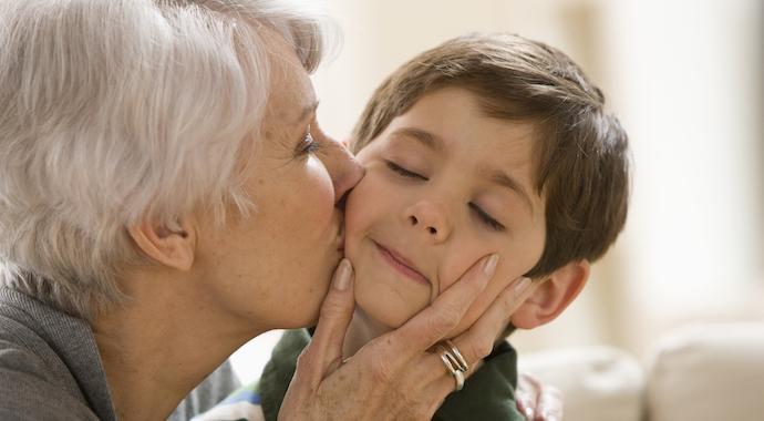 «Бабуля, садись!»: позволим детям взрослеть