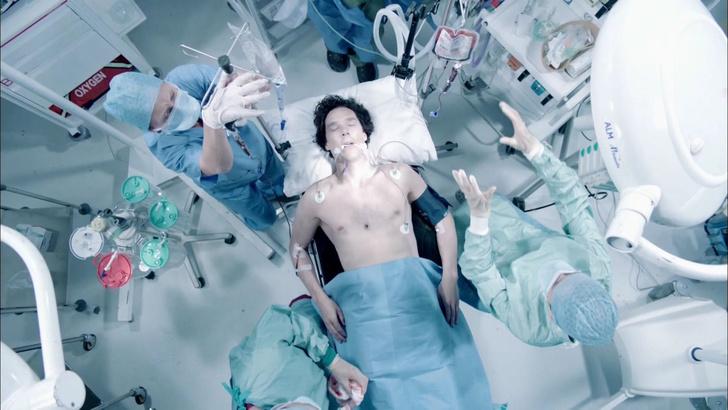Фото №4 - Наивные медицинские мифы, к которым нас приучили фильмы и сериалы