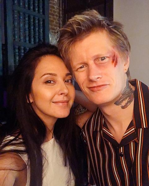 <p>Антон Лиссов с женой </p>