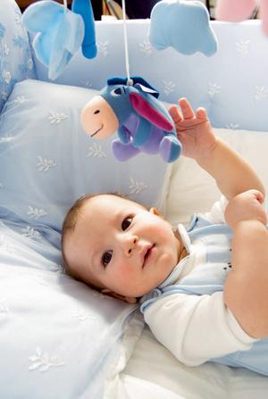 Фото №2 - Учим малыша переворачиваться на животик: 6 этапов
