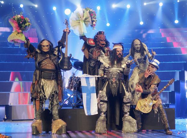 Фото №5 - 10 нелепых нарядов участников «Евровидения»