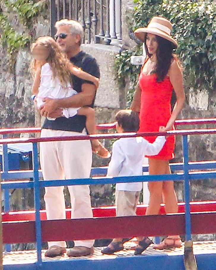 Фото №5 - Идеальная семья: Амаль и Джордж Клуни отдыхают с детьми в Италии