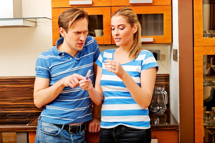 Фото №3 - Исповедь мужчины, который живет на две семьи 16 лет: «Тест на беременность жена и любовница принесли одновременно. И я не смог выбрать!»