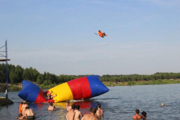 Фото №2 - Водные прогулки в Ижевске: арендуем лодки и катамараны
