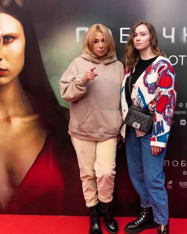Фото №2 - Алена Апина показала взрослую дочь от суррогатной матери