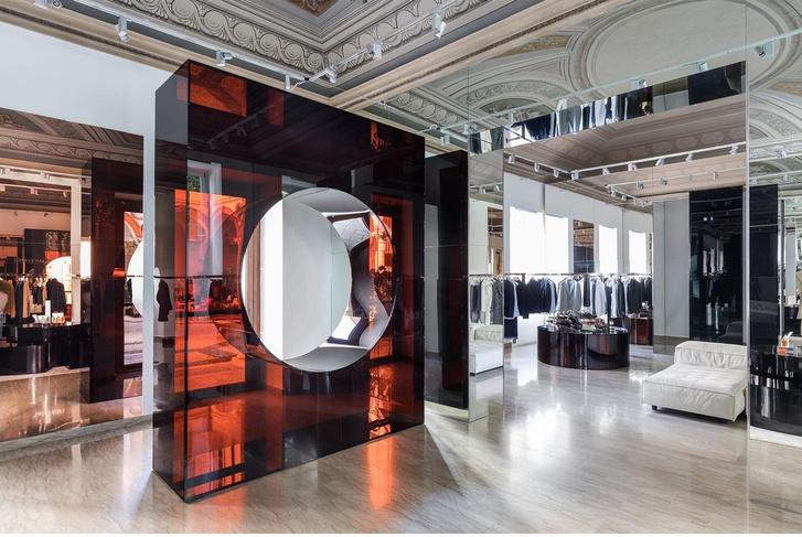 Фото №1 - Бутик Salle Privée в Милане по дизайну Сабин Марселис