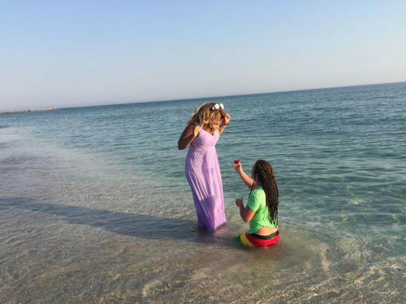 Фото №2 - Корнелия Манго вышла замуж за музыканта на 8 лет моложе