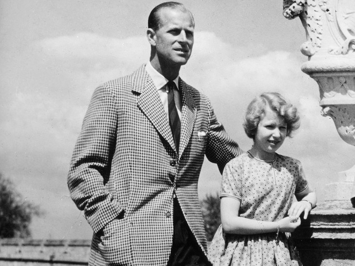 Фото №5 - Папина дочка: самые трогательные совместные фото принцессы Анны и принца Филиппа