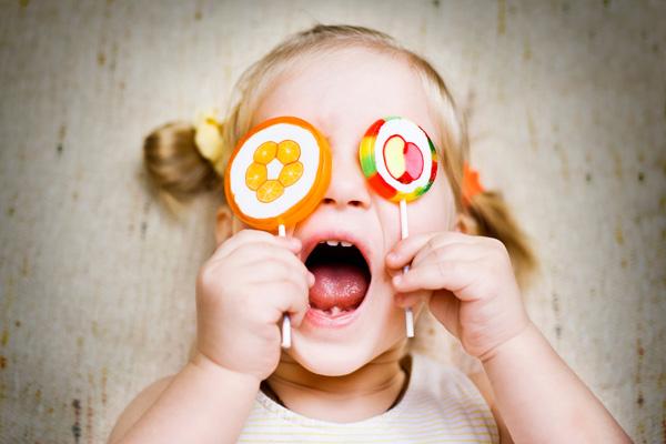Фото №2 - Детки и конфетки: можно, если осторожно