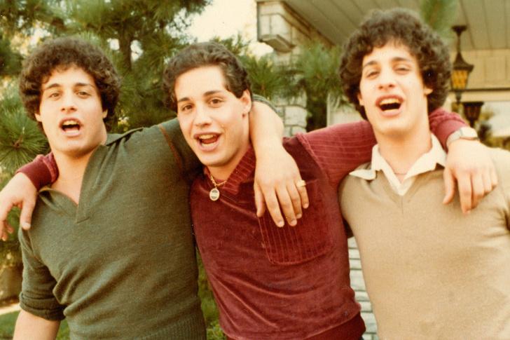 Фото №2 - Как тройняшки, разлученные в детстве ради эксперимента, случайно нашли друг друга в 19 лет
