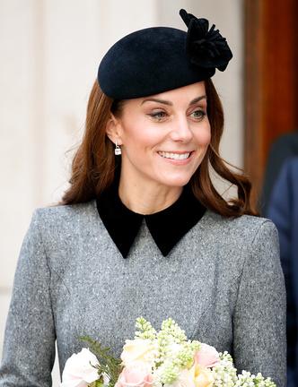 Фото №1 - 4 вещи, которые сделала Миддлтон, чтобы угодить королеве