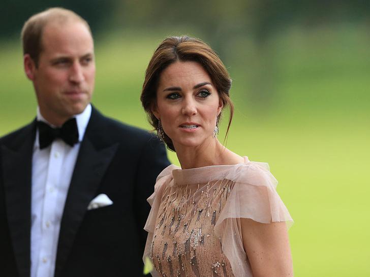 Фото №1 - Повод для шуток: почему друзья Уильяма дразнили Кейт из-за ее матери