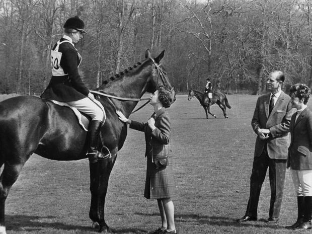 Фото №3 - Назад к корням: как прошел первый визит принца Филиппа в СССР