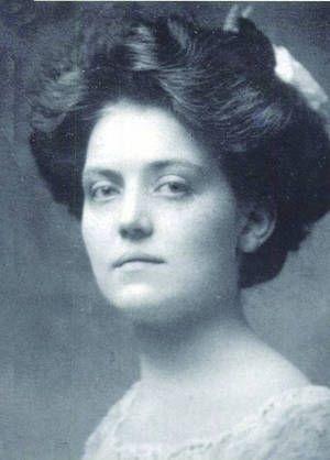Фото №1 - Непотопляемая: история Вайолетт Джессоп, которая выжила после крушения трех кораблей, включая «Титаник»