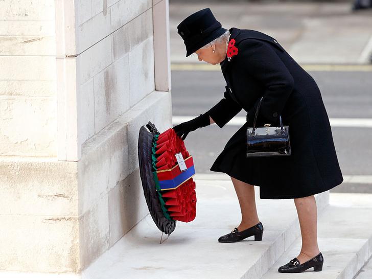 Фото №5 - 4 важных обязанности Королевы, о которых вы не знали