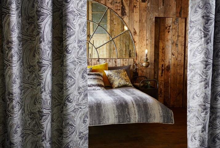 Фото №7 - Как выбрать шторы в спальню: 4 идеи