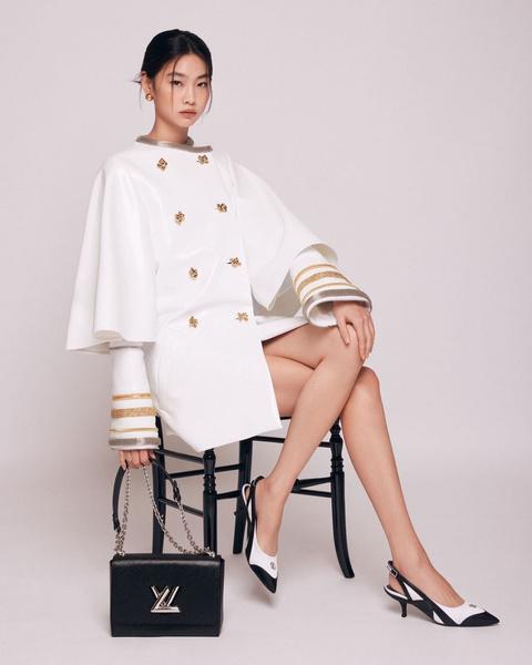 Фото №1 - «Я просто хочу смело двигаться вперед и познавать мир»: Чон Хо Ён из «Игры в кальмара» рассказала о своем актерском дебюте