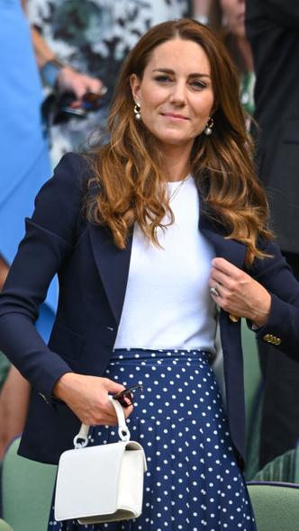 Фото №4 - Идеальный деловой образ: простой модный рецепт от герцогини Кейт