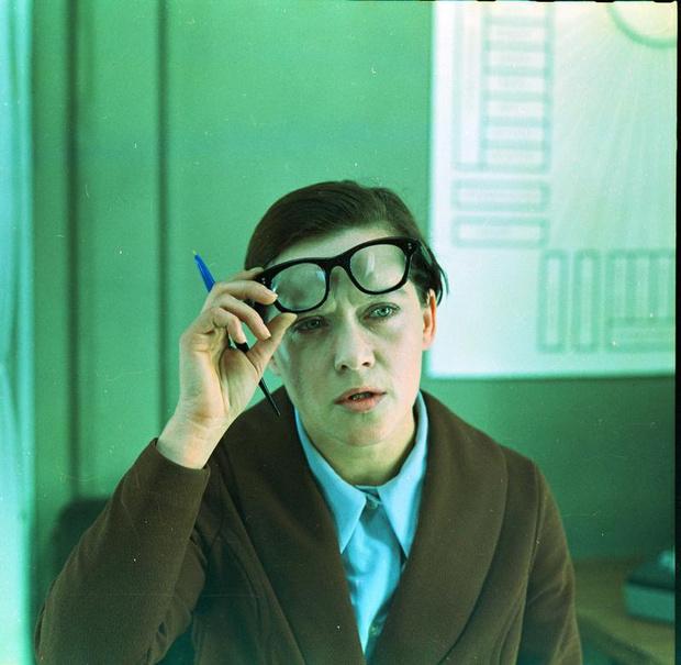 Фото №10 - Почему Марлон Брандо дарил друзьям яйца страуса, что будет если сесть на сценарий и другие странные суеверия артистов