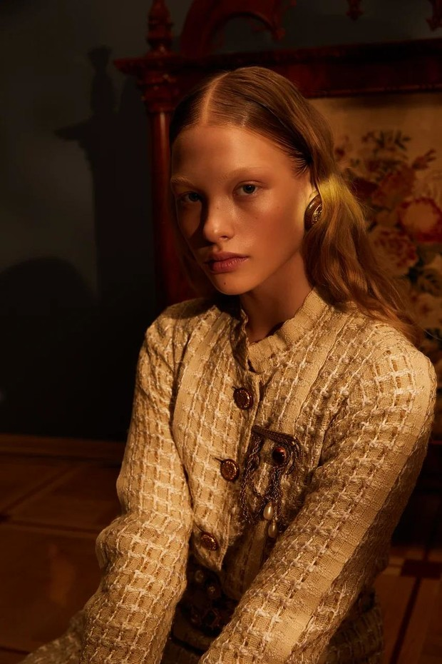 Фото №6 - Клипсы Шанель и блузы Сен-Лорана: первая большая съемка ELLE винтажной одежды