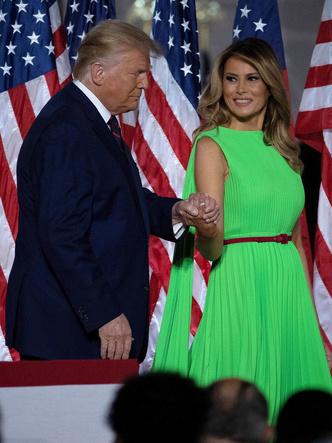 Фото №9 - Лучшие образы Мелании Трамп в 2020 году