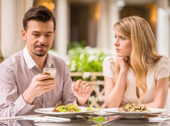 13 ситуаций, которые должнынасторожитьв начале отношений