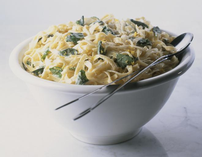 Как вкусно приготовить макароны с творогом?