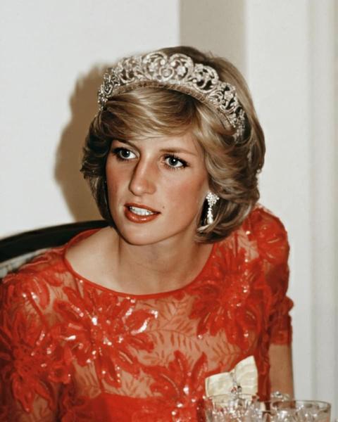 Фото №2 - Тренд из ТикТока: как повторить прическу принцессы Дианы