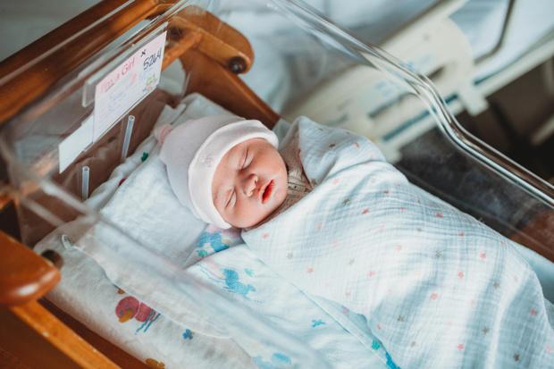 Фото №1 - Малышка родилась беременной, и ей пришлось делать кесарево
