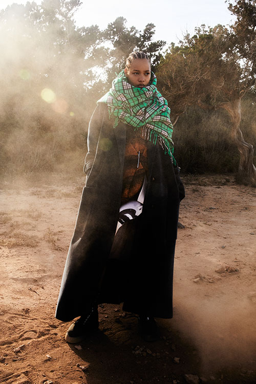 Фото №10 - Цветные шубы, вязаные брюки и венец из перьев: коллекция Attico осень-зима 2021