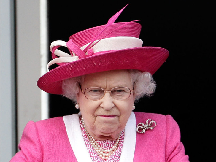 Фото №1 - 6 раз, когда королевские особы выходили из себя на публике