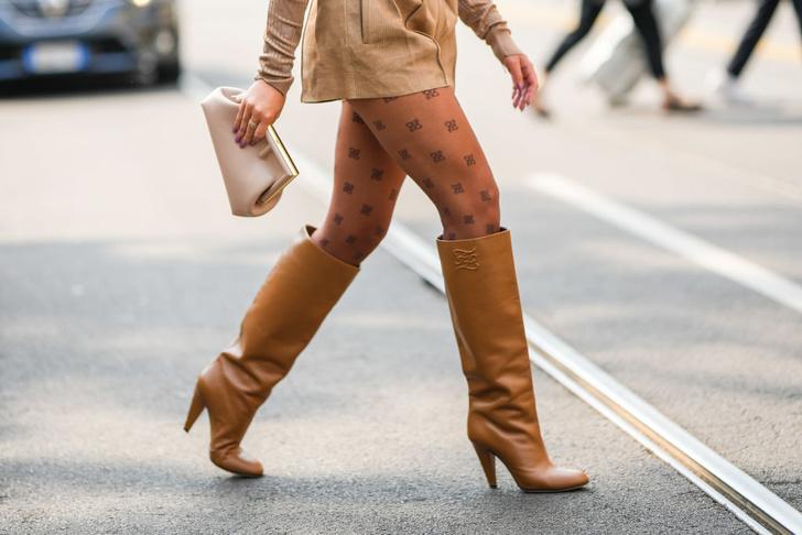 Фото №6 - Яркие носки, монобровь и пирсинг: топ безрассудных модных трендов в истории