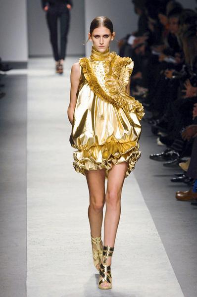 Фото №29 - 7 модных платьев, 7 модных интерьеров
