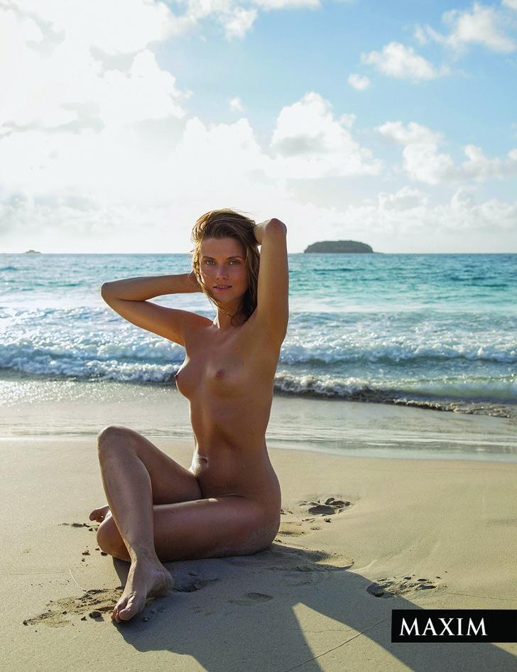 Фото №3 - Девушка на Кубе: ведущая телеканала «Пятница» Катя Бобкова снялась для MAXIM