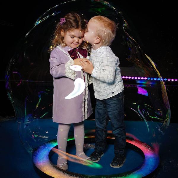 Фото №1 - Звездные дети: 10 самых трогательных фото недели