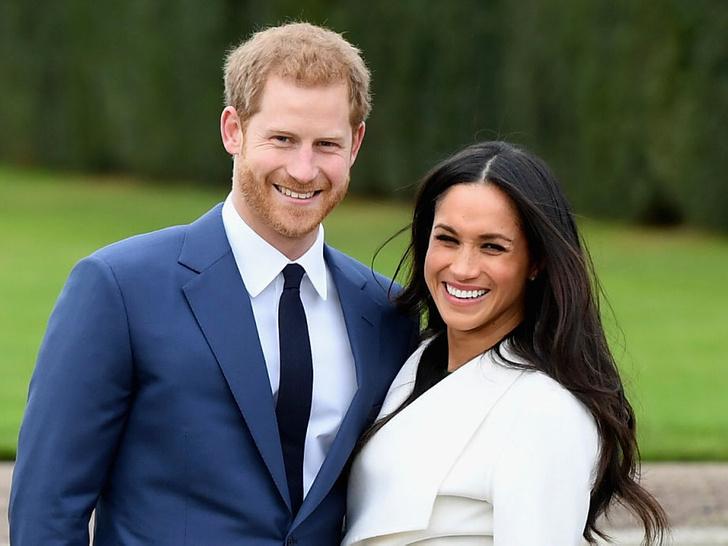 Фото №2 - Особое мнение: как Королева реагировала на помолвки принца Чарльза и внуков