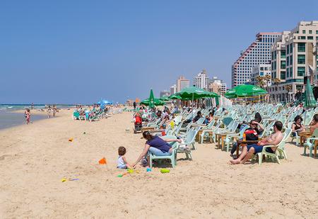 Чудо на пляже: как вор случайно спас множество людей от бомбы в Тель-Авиве и стал национальным героем