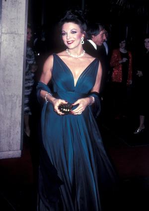 Фото №7 - Легенды «Золотого глобуса»: самые знаменитые наряды в истории премии