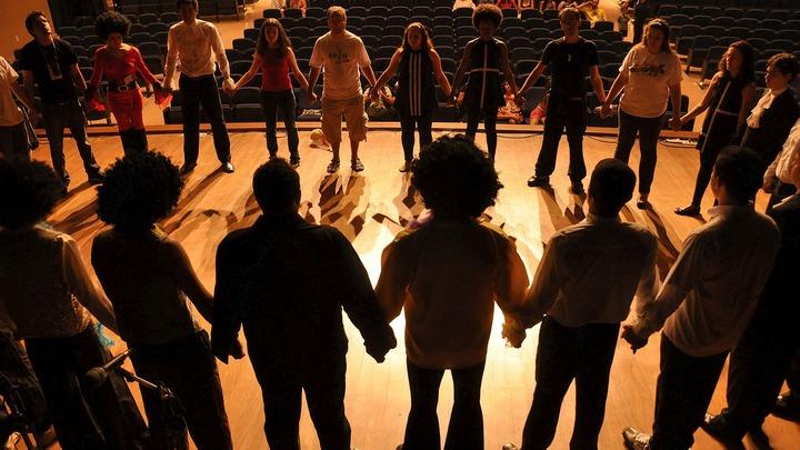 Фото №1 - 5 театральных постановок, которые нельзя пропустить онлайн