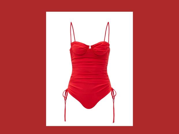 Фото №1 - Red spring: алый купальник Isa Boulder, который обожают звезды