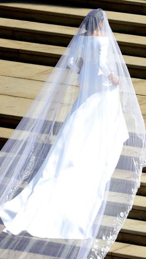 Фото №6 - Вдохновилась: чье свадебное платье на самом деле скопировала герцогиня Меган