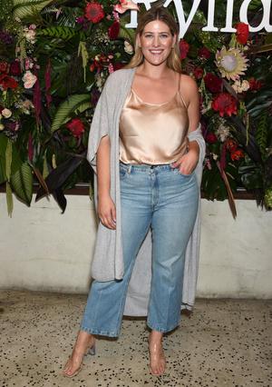 Фото №7 - Правила шопинга для девушек plus size: от маленького черного платья до джинсов