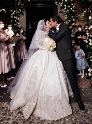 Фото №3 - Самые стильные звездные невесты 2020 года, которые нас впечатлили