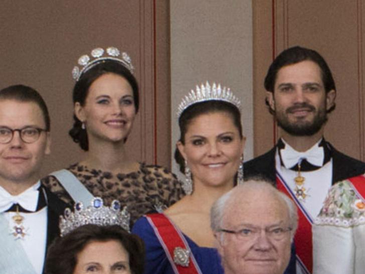 Фото №9 - Принцесса из сказки: самые эффектные выходы Софии Шведской в тиарах